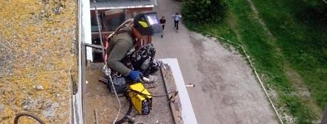 Ремонт балконных козырьков Киев
